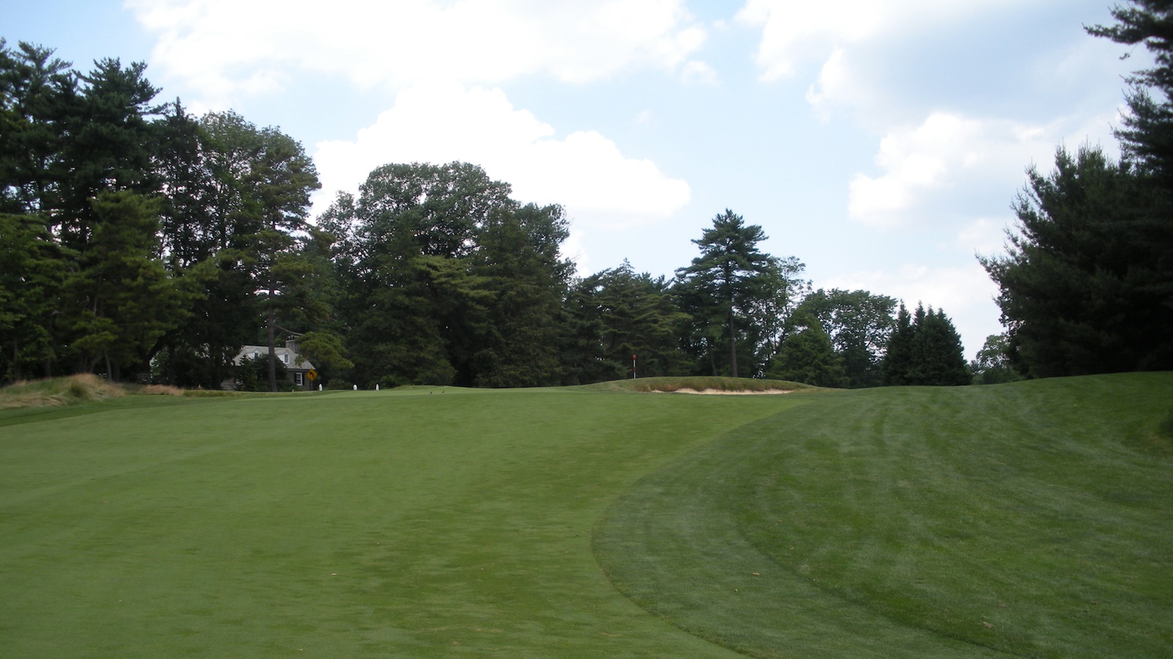how to play merion golf club